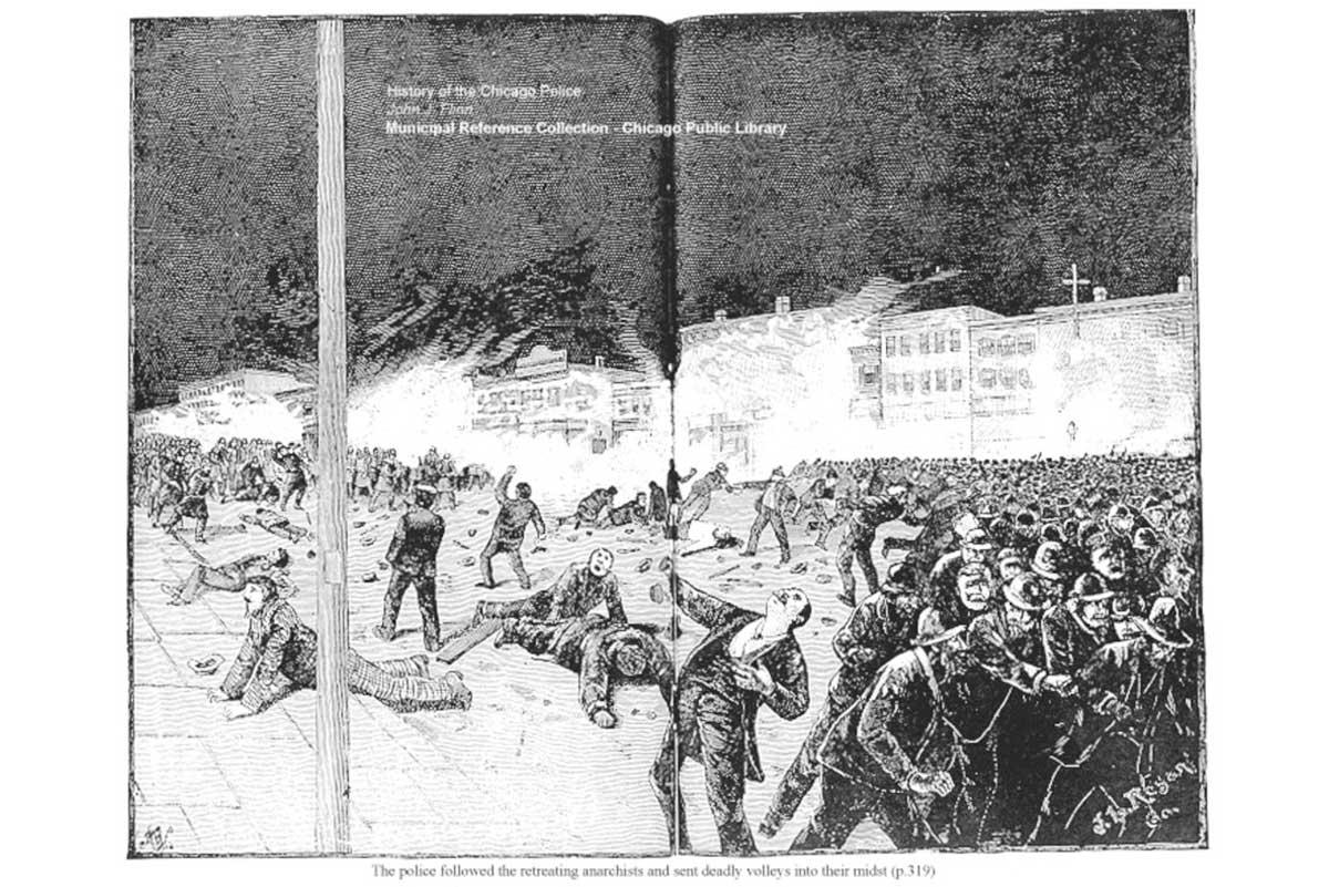 Recreación de la represión policial en Chicago durante la manifestación de los trabajadores en el 1º de mayo de 1886