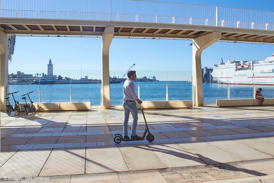 Leisure offer in Malaga with electric scooters rental