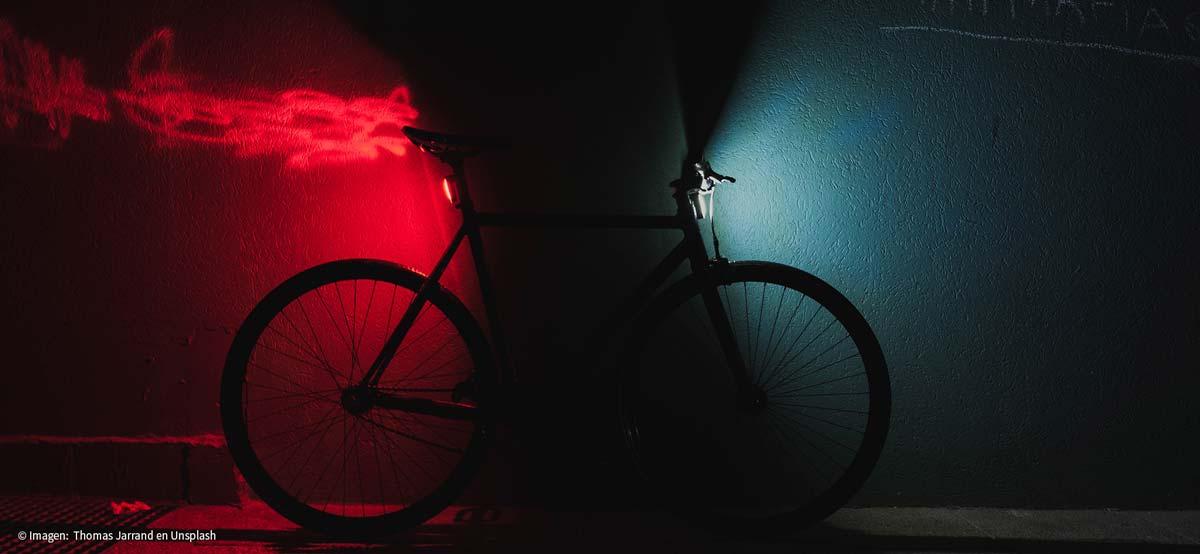 Pedalea en casa con tu bicicleta o con una bicicleta estática